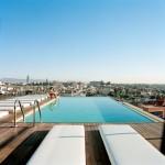 Buitenparket zwembad hotel
